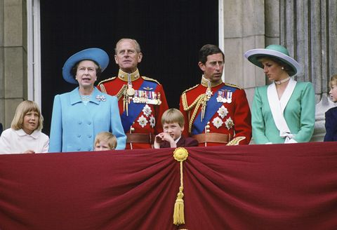 queen and family at trooping the colour