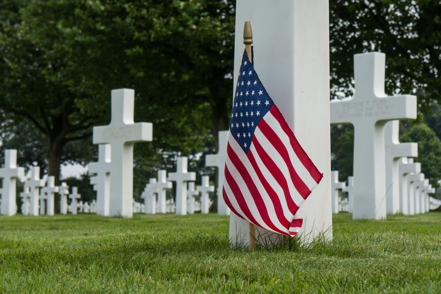 memorial-day-activities-cemetery