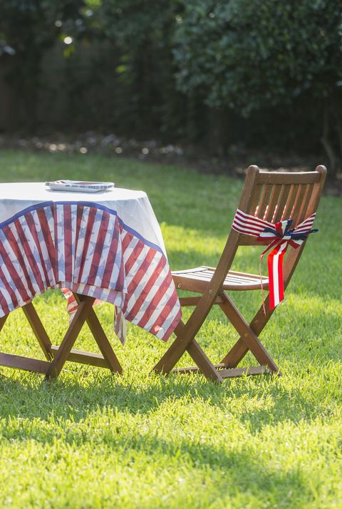 memorial day decorations outdoor table decorated with usa patriotic theme