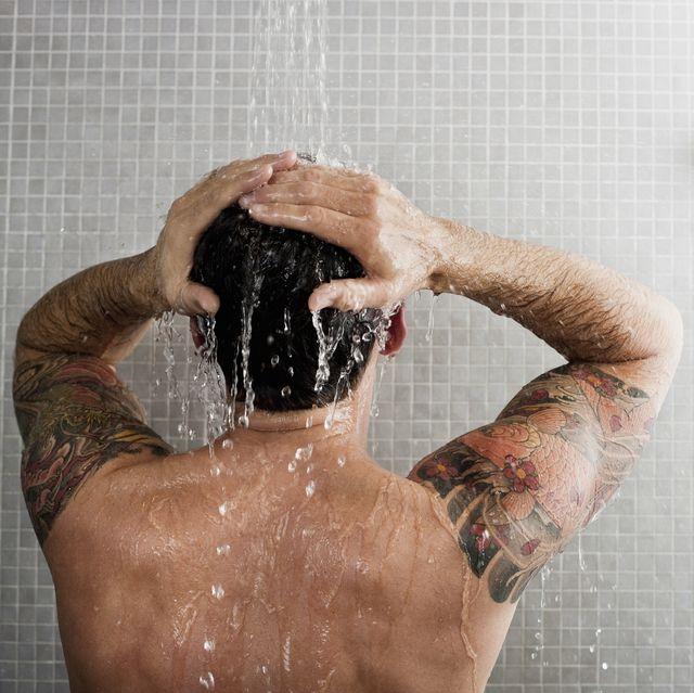 champu lavar el pelo todos los dias hombre