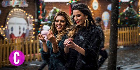 Due amiche in giro per i mercatini di Natale