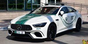 Mercedes-AMG GT 63 S 4 puertas de la policía de Dubai