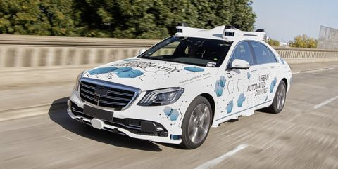 Land vehicle, Car, Vehicle, Luxury vehicle, Automotive design, Full-size car, Mid-size car, Personal luxury car, Mercedes-benz, Bumper,