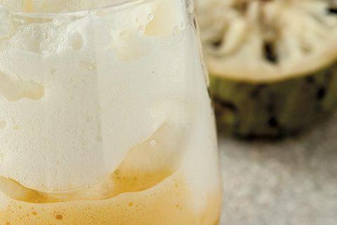 merengue semifrío de chirimoya