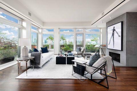 Room, Living room, Interior design, Property, Furniture, Building, Floor, Ceiling, House, Wood flooring,