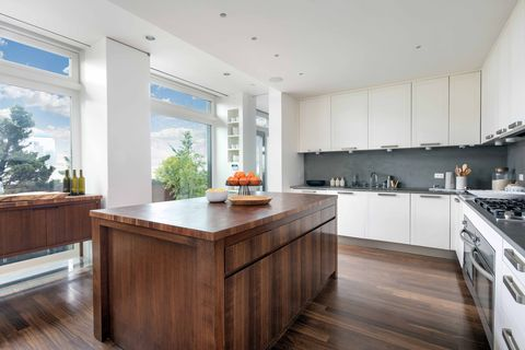 Countertop, Property, Kitchen, Room, Furniture, Cabinetry, Interior design, Building, Wood flooring, Home,