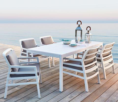 Mesas de verano que nos han encantado por su menaje y buen gusto