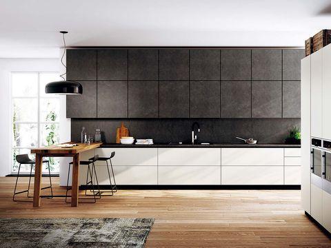 cocina moderna con mesa de madera sin tratar