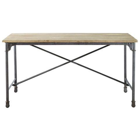 Mesa con patas de hierro y sobre de madera