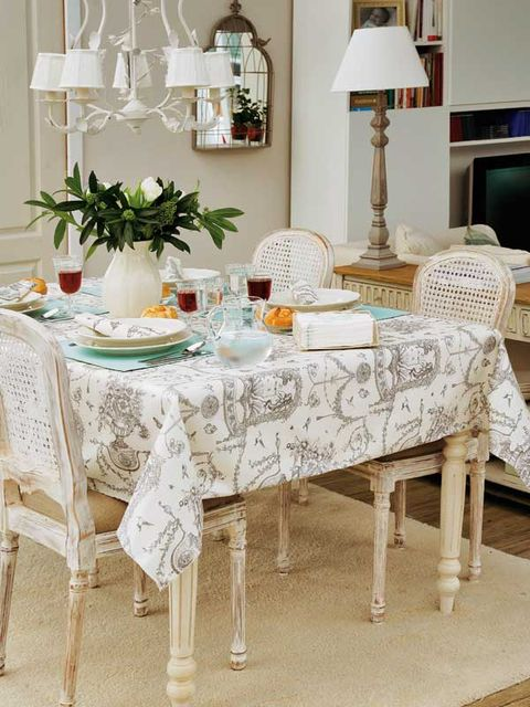 Furniture, Tablecloth, Room, Table, Dining room, Interior design, Home accessories, Textile, Chair, Linens,