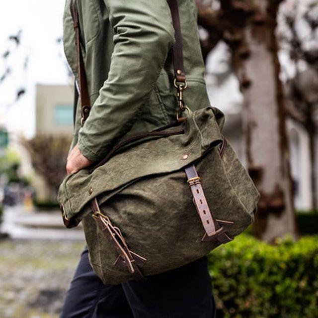 Bag, Green, Messenger bag, Shoulder, Joint, Luggage and bags, Backpack, Handbag, Pocket, Fashion accessory,
