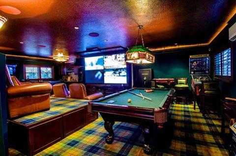 Recreation room, Billiard room, Games, Room, English billiards, Pool, Indoor games and sports, Billiard table, Table, Billiards,