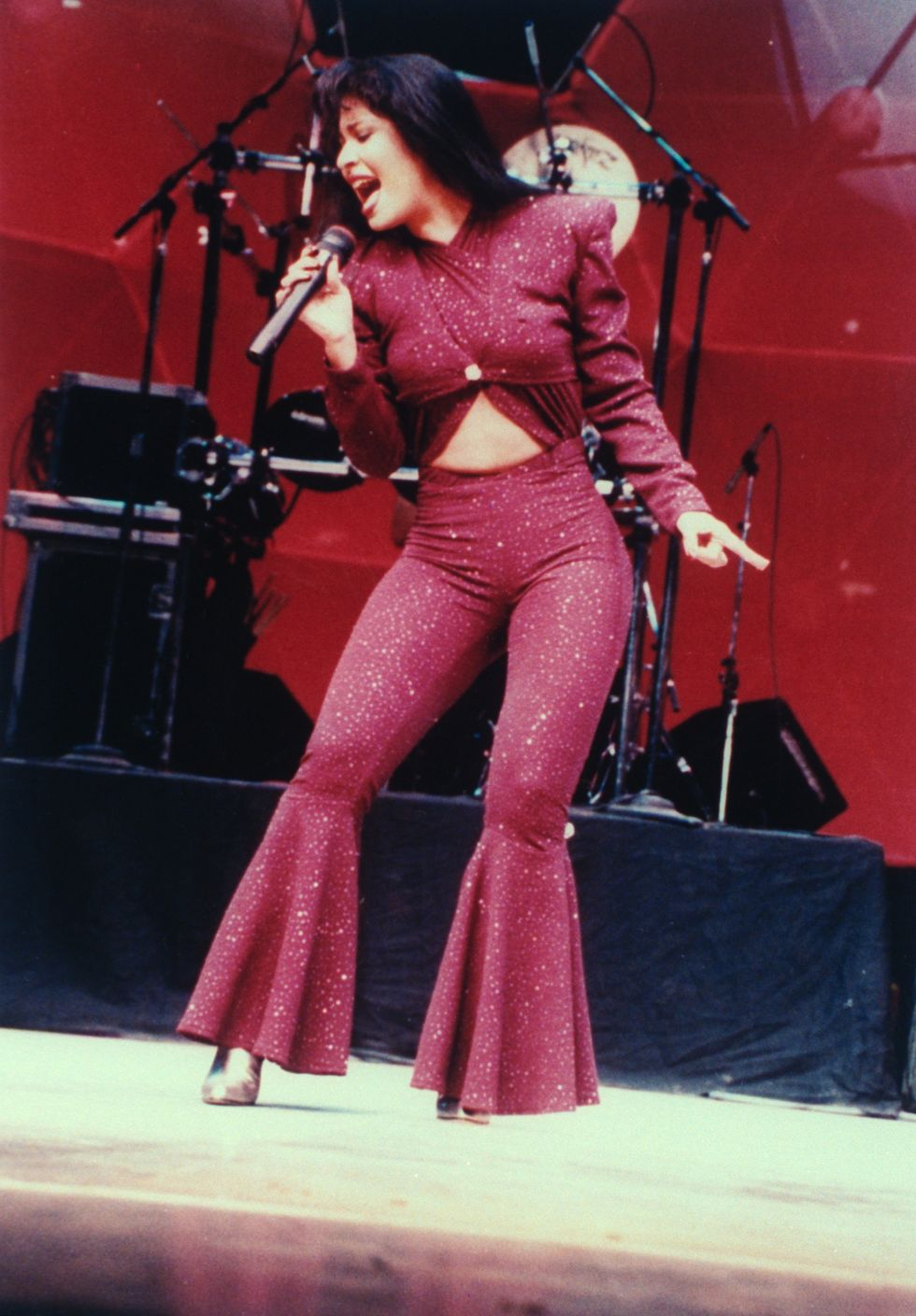 10 Selena-Inspired Halloween Costumes That Celebrate the Tejano Music Icon