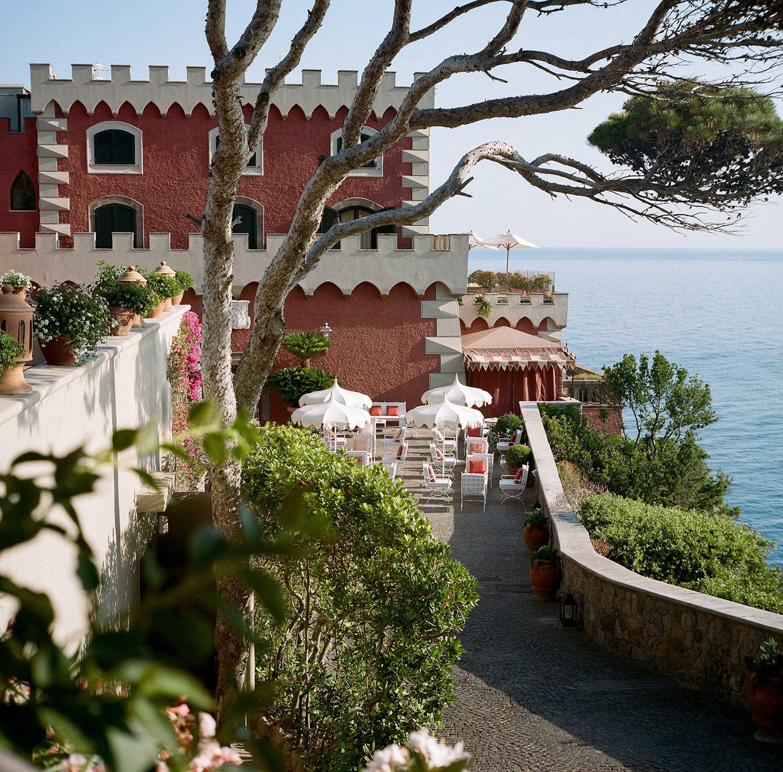 L'Hotel Mezzatorre e La Colombaia sono l'essenza di Ischia
