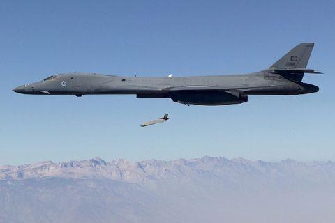 Aircraft, Airplane, Aviation, Vehicle, Flight, Air force, Military aircraft, Aerospace engineering, Rockwell b-1 lancer, Jet aircraft,