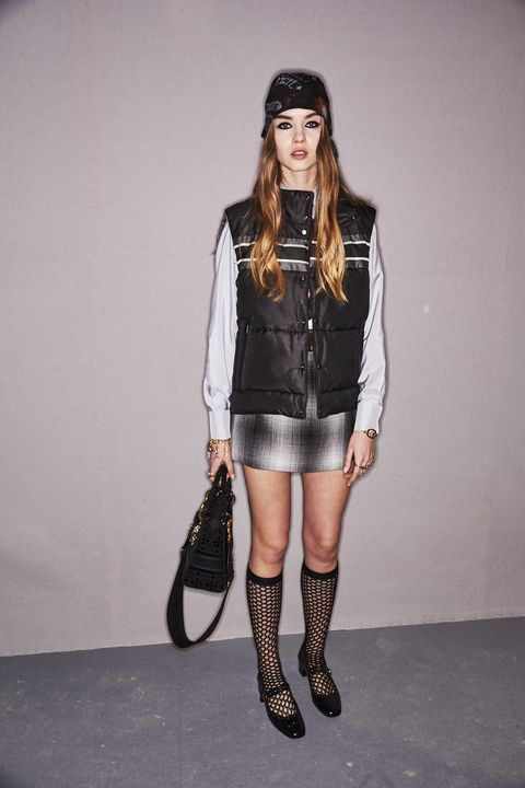 Fashion model, Clothing, Fashion, Leg, Knee, Thigh, Shoulder, Joint, Footwear, Leather,