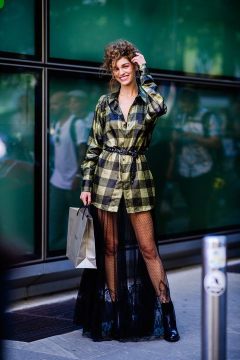 Plaid, Fashion model, Clothing, Fashion, Street fashion, Tartan, Beauty, Pattern, Leg, Footwear,