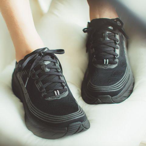 HOKA ONE ONE Bondi 6 Wide黑色機能球鞋完全百搭呀!