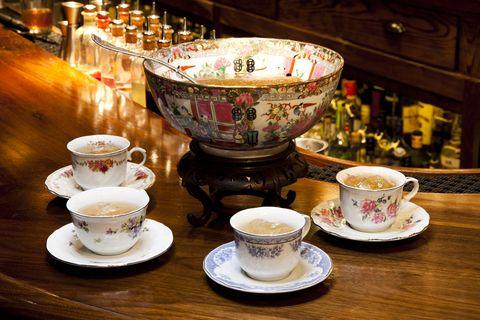 Porcelain, Cup, Teacup, Tableware, Serveware, Coffee cup, Saucer, Ceramic, Drinkware, Cup,