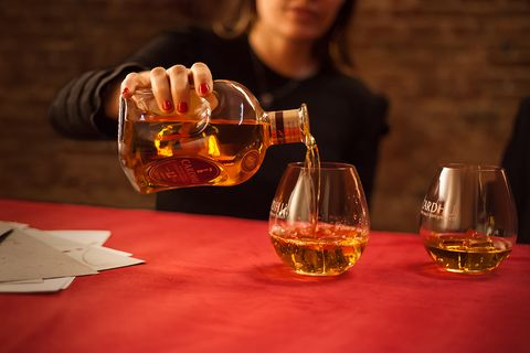 Drink, Alcohol, Distilled beverage, Alcoholic beverage, Liqueur, Whisky, Barware, Scotch whisky, Old fashioned glass, Blended whiskey,