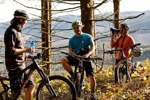 11 Legit Health Benefits of Cycling
