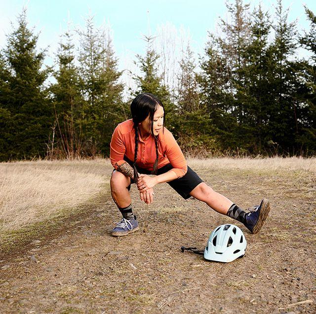 stretching hip flexors