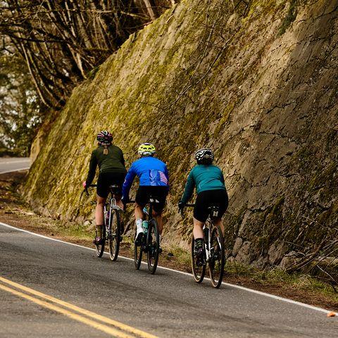 Cycling, Cycle sport, Road cycling, Bicycle, Outdoor recreation, Vehicle, Road bicycle, Recreation, Bicycle racing, Road,