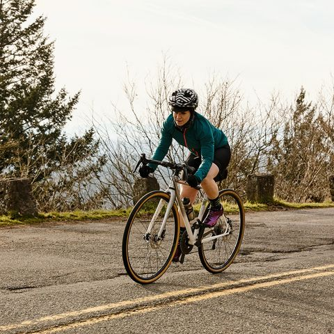 Land vehicle, Cycling, Cycle sport, Bicycle, Vehicle, Road cycling, Outdoor recreation, Road bicycle, Endurance sports, Recreation,