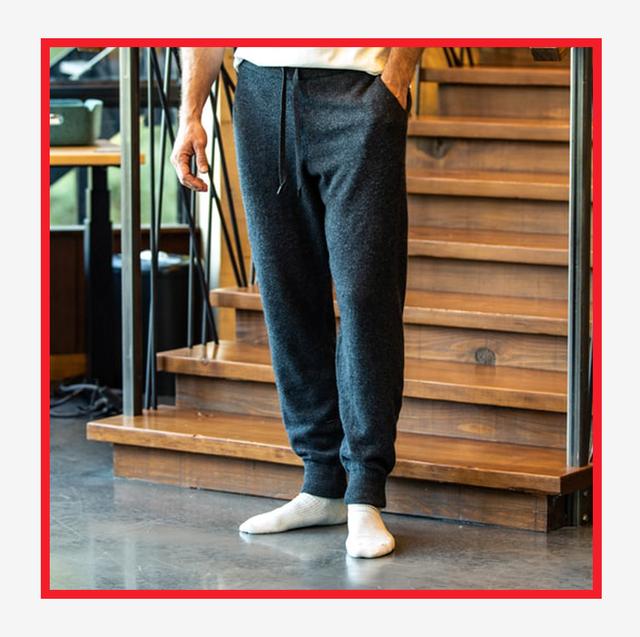 Clothing, Jeans, Denim, Trousers, Leg, Pocket, sweatpant, Active pants, Textile, Sportswear,
