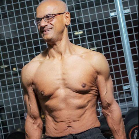 Barechested, Muscle, Bodybuilder, Arm, Chest, Abdomen, Bodybuilding, Glasses, Eyewear, Neck,