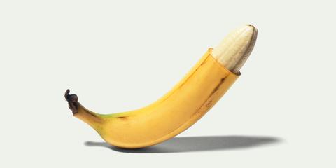 Banana family, Banana, Cooking plantain, Fruit, Yellow, Plant, Saba banana, Food, Peel, Produce,