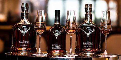 Drink, Distilled beverage, Alcoholic beverage, Liqueur, Alcohol, Whisky, Bottle, Glass bottle, Barware, Blended whiskey,