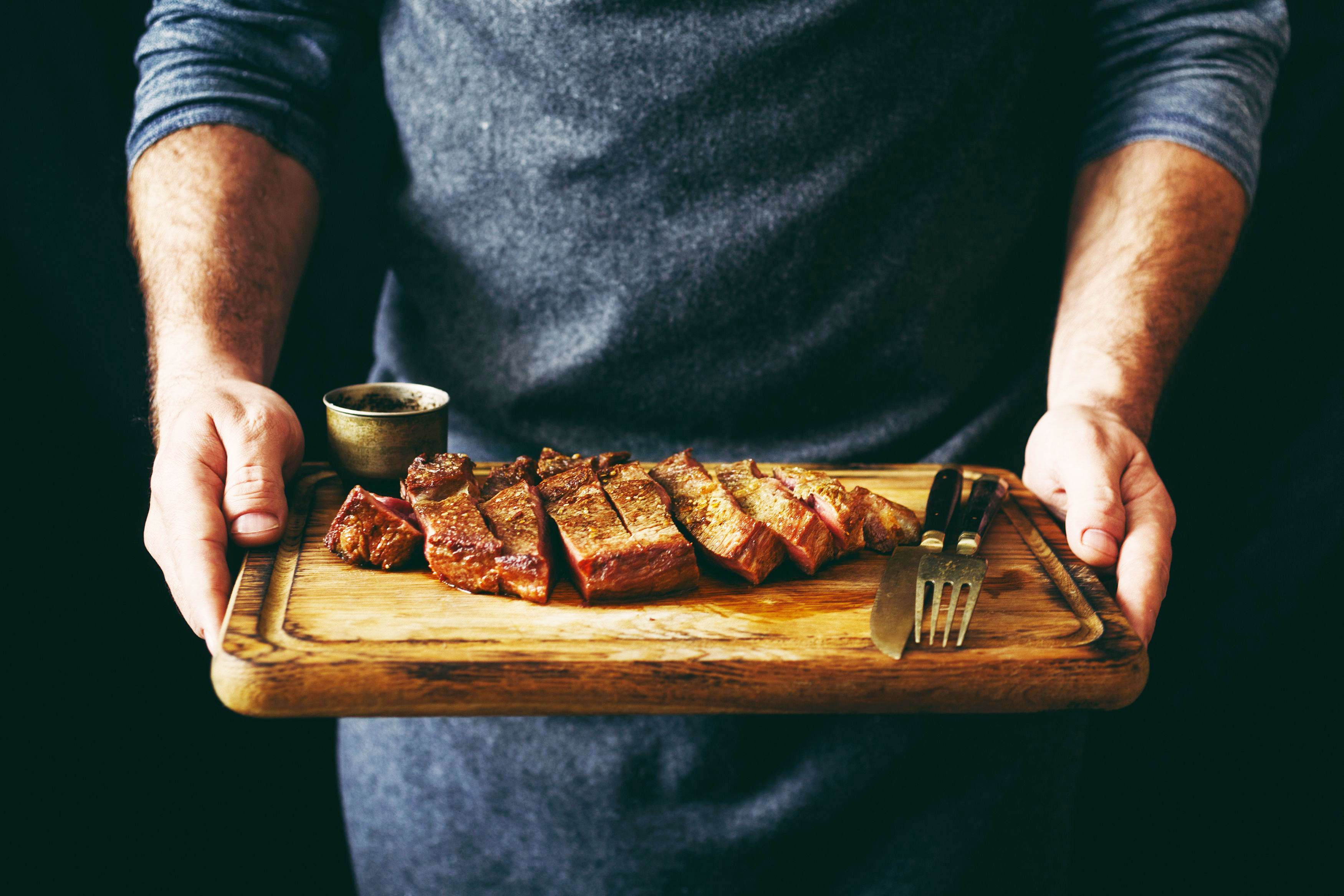There's Only One Right Way to Cook a Steak