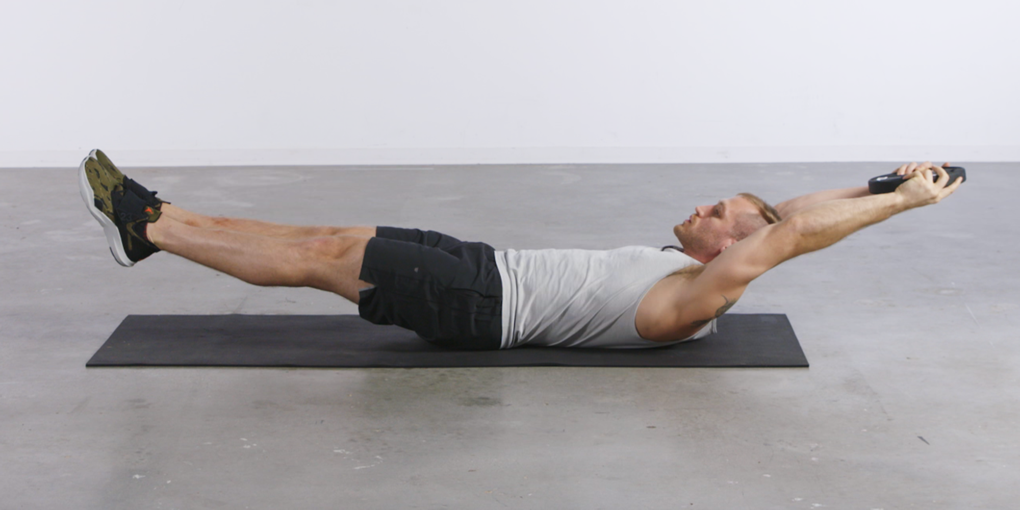 How to Master the Hollow Hold Form for Better Abs Exercises