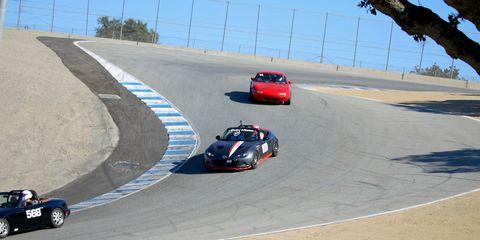 Land vehicle, Vehicle, Race track, Car, Sports car racing, Asphalt, Motorsport, Race car, Racing, Performance car,