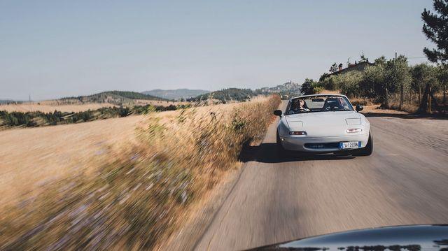 land vehicle, vehicle, car, luxury vehicle, performance car, bugatti veyron, bugatti, road, supercar, sports car,