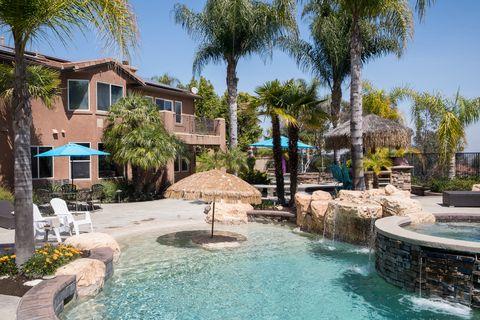 Corona, California, United States - house-sit