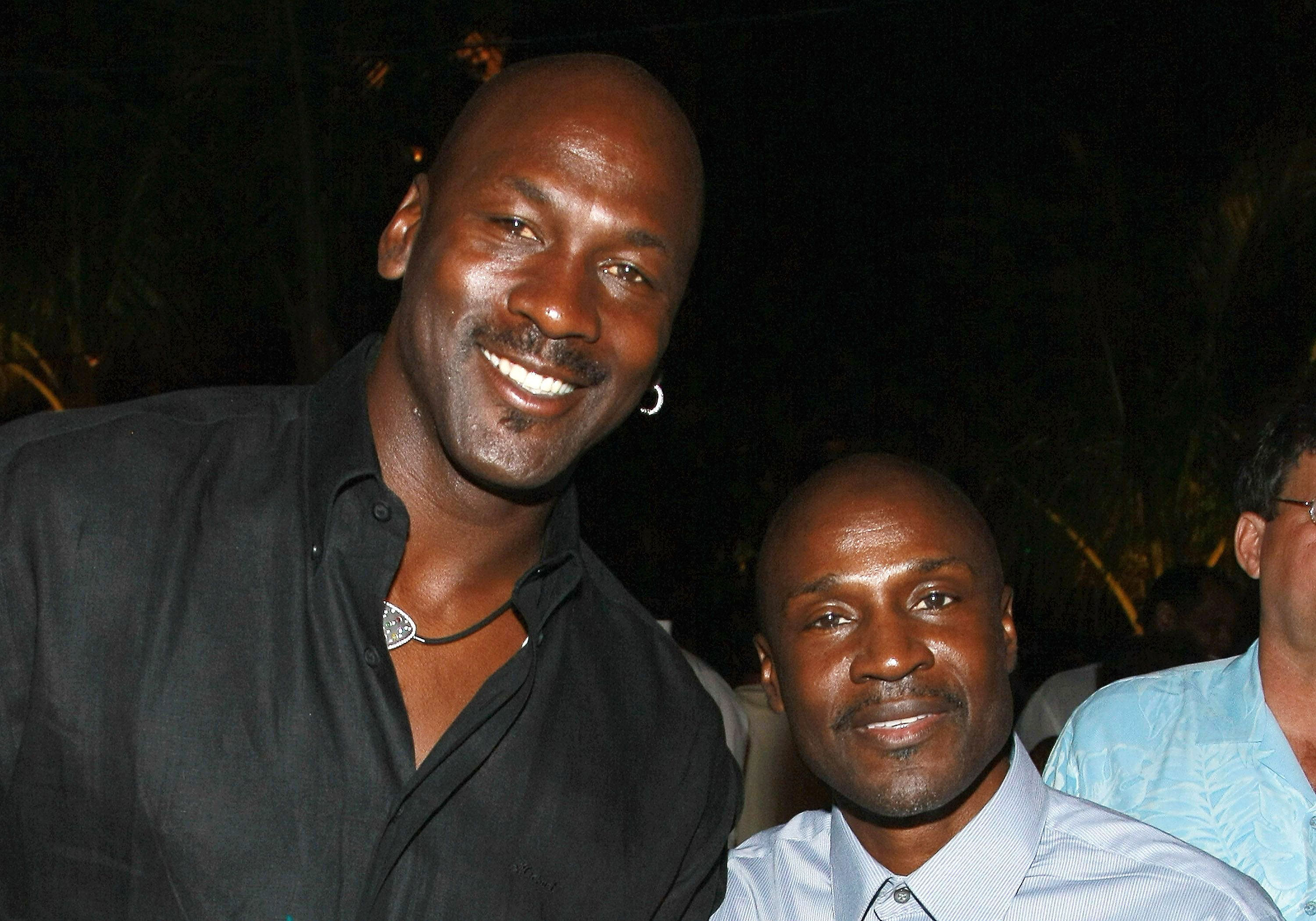 muy elogiado Promoción de ventas 100% autenticado Who Is Larry Jordan, Michael Jordan's Brother?