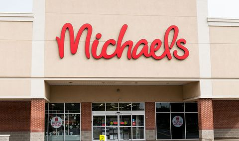 Stores open on thanksgiving 2018 thanksgiving store for Michaels crafts hours today