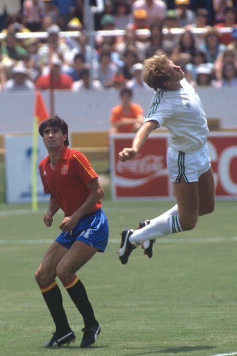 los 25 mejores futbolistas españoles de la historia