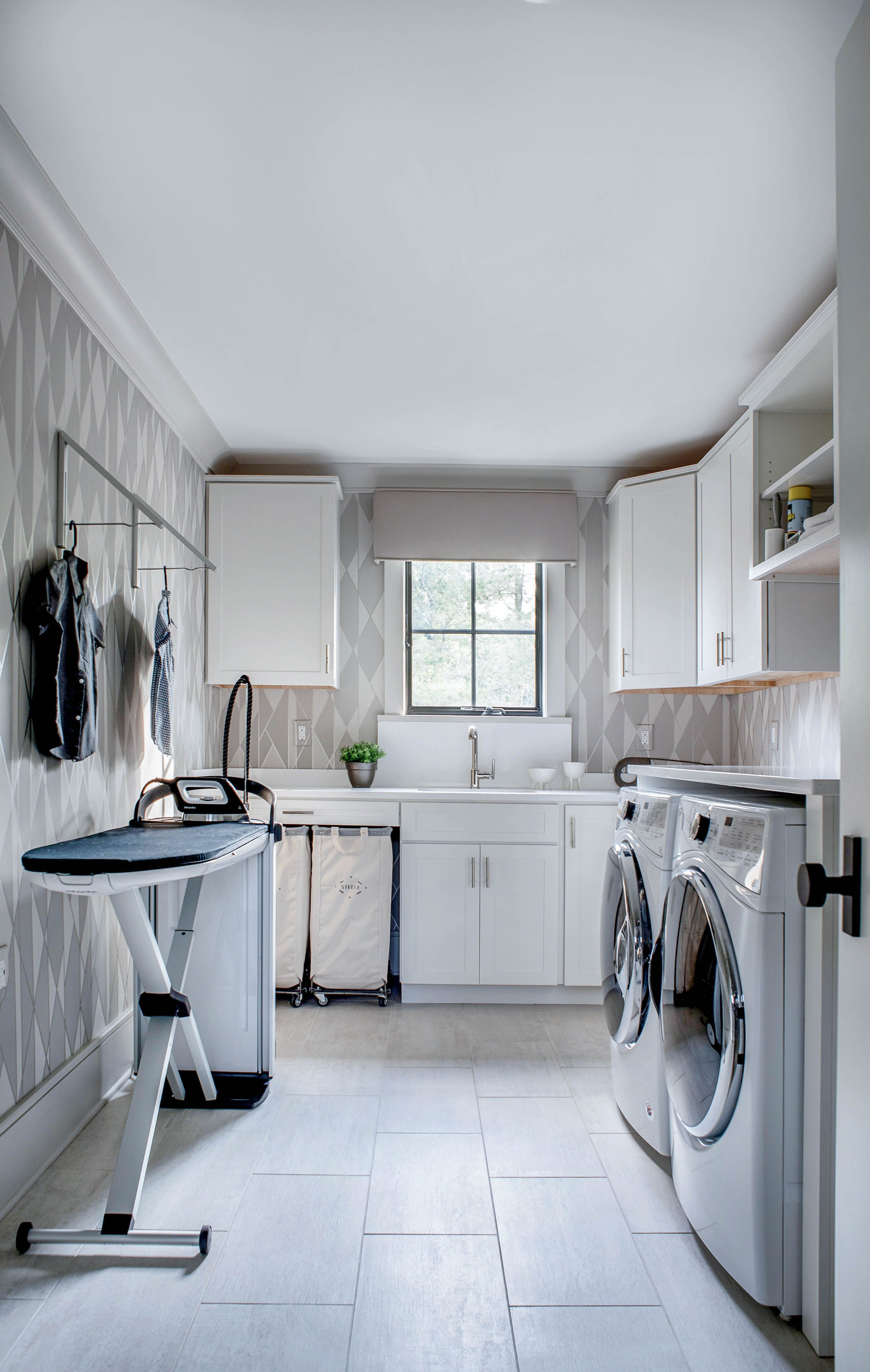 19 Best Laundry Rooms - Lovely & Functional Laundry Room Ideas