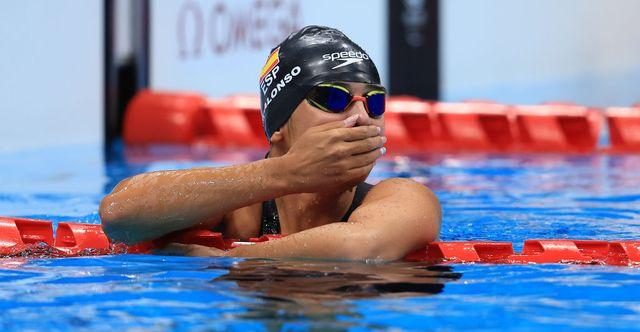 michelle alonso se emociona tras ganar la prueba de 100 metros braza en los juegos paralímpicos de tokio