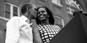 Michelle Obama news: la storia del primo bacio a Barack Obama