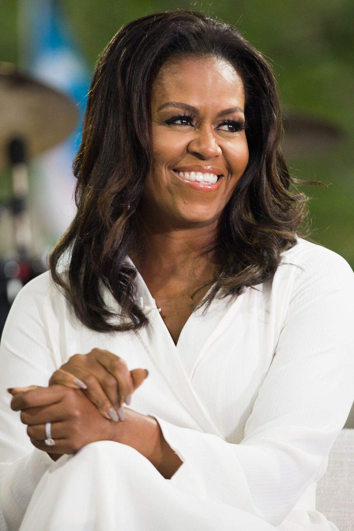 Now Hes Hiding Behind First Lady >> Michelle Obama S Becoming Memoir Read An Exclusive Excerpt