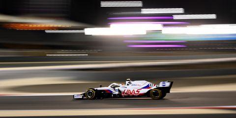 mick schumacher durante el gp de bahréin 2021