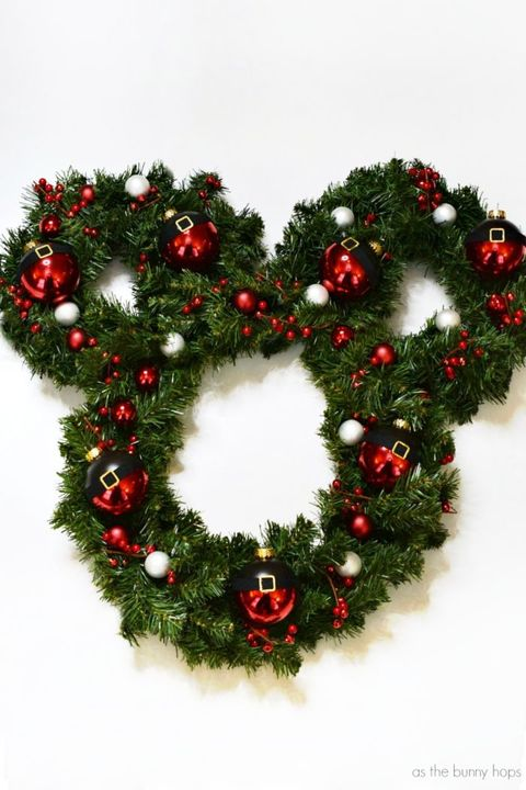 diy disney christmas wreath mickey mouse - Disney Christmas Decorations