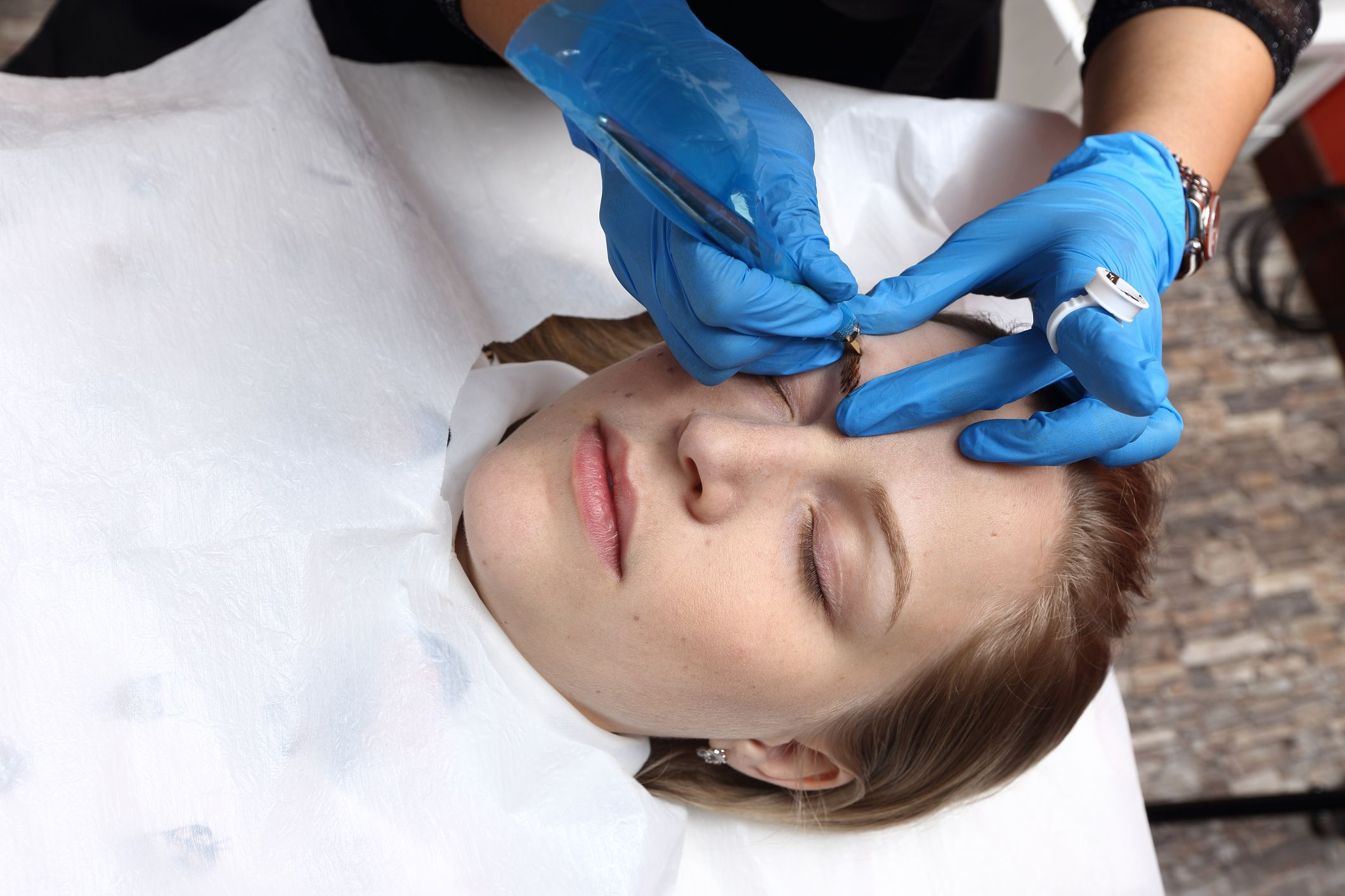Woman Hospitalized With Eyebrow Infection From Microblading