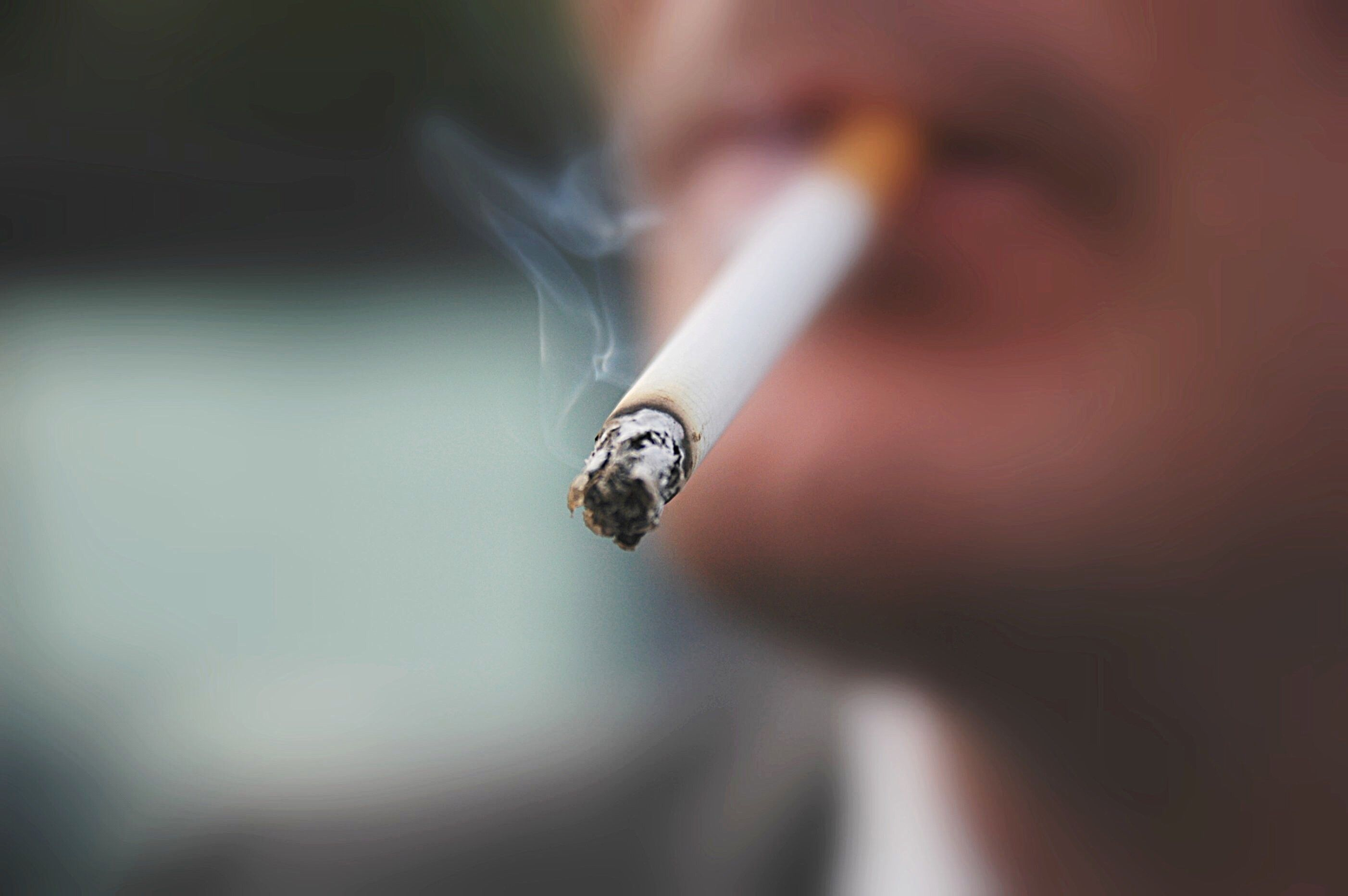 Should smokers be PAID to quit cold