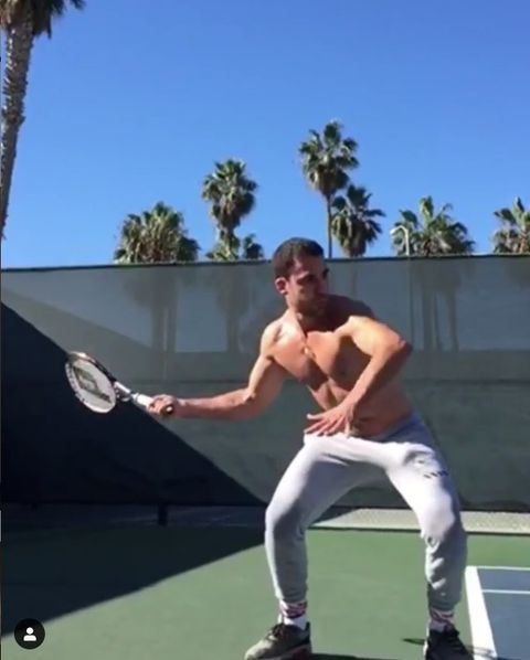 Tennis, Sports, Tennis court, Racquet sport, Sports equipment, Arm, Individual sports, Tennis player, Muscle, Fun,