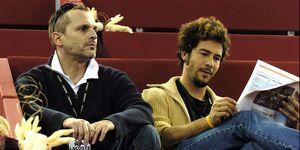 El cantante Miguel Bosé y Nacho Palau durante el Master Series Madrid 2004.